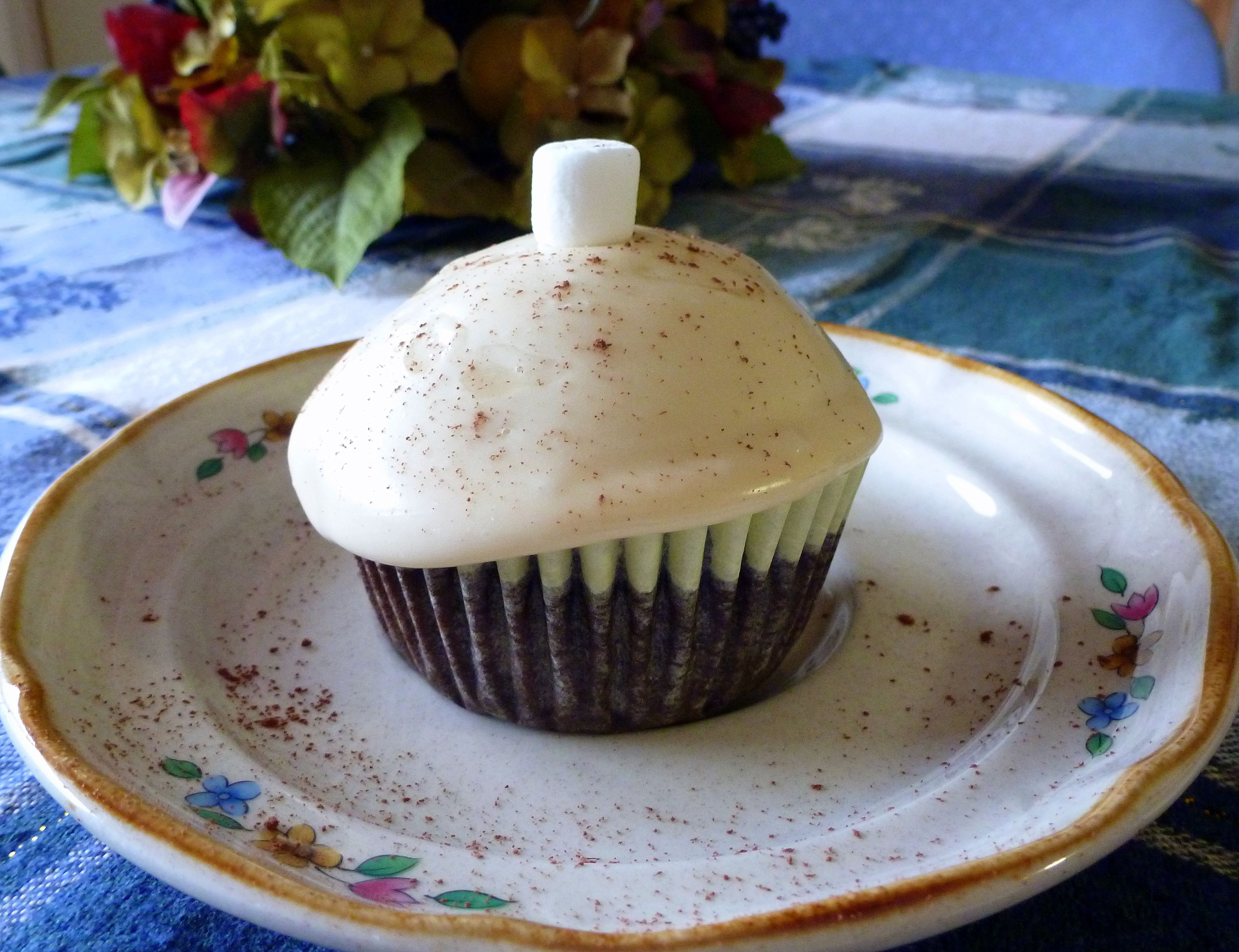 Hot Chocolate Cupcakes with Marshmallow Frosting | At Home in Alaska