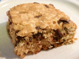 Chocolate Chip Apple Oatmeal Cookie Bars